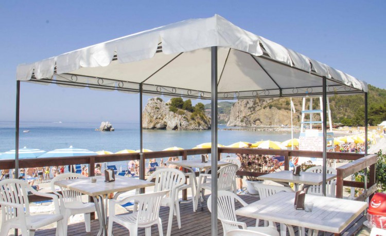 bar spiaggia club blackmarlin