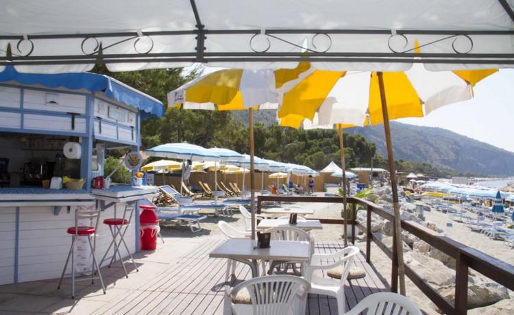 bar spiaggia blackmarlin