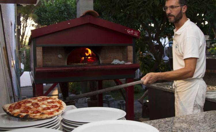 pizzeria grill blackmarlin marina di camerota